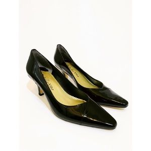 NEW Belle Vita WOW Pointed Classic Patent Pumps